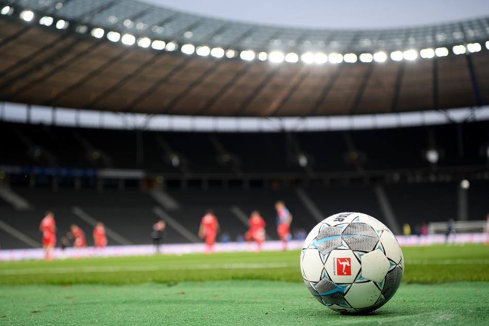 Die ersten Begegnungen der 1. und 2. Bundesliga halten gleich mal einige Kracher bereit!