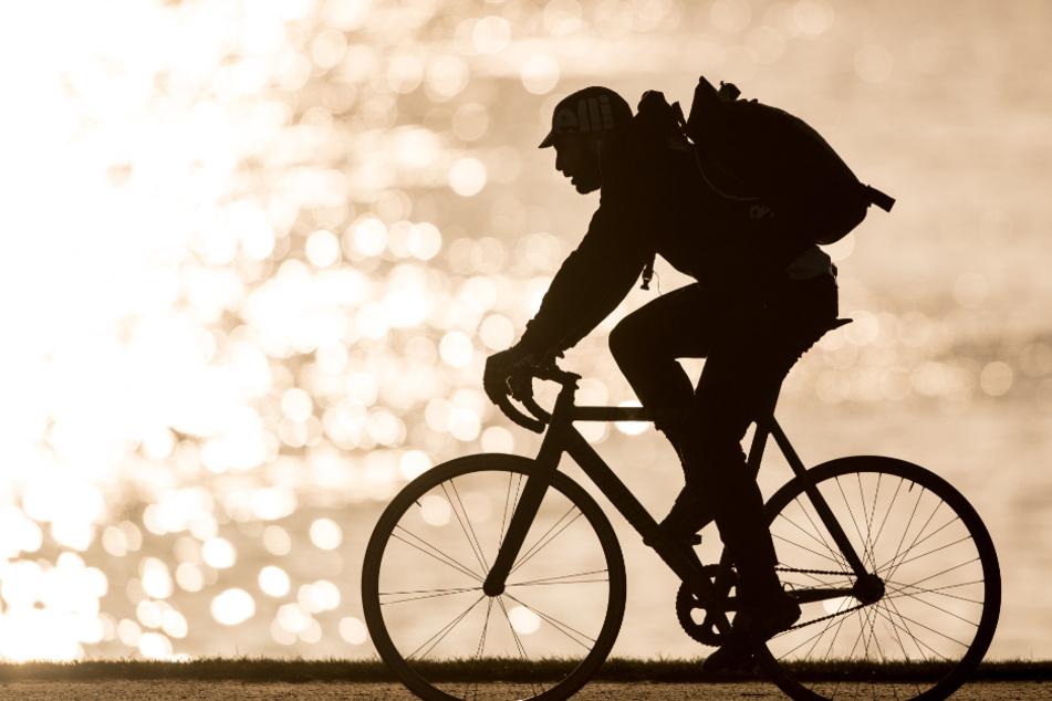 Radfahrer bei Unfall in Stuttgart lebensgefährlich verletzt