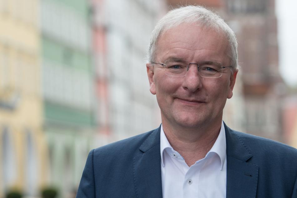 Sauer wegen Corona-Politik: Landshuts Oberbürgermeister tritt aus FDP aus