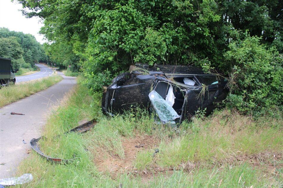 Der Wagen des 28-Jährigen hatte sich bei dem Unfall in Düren-Linnich mehrfach überschlagen.
