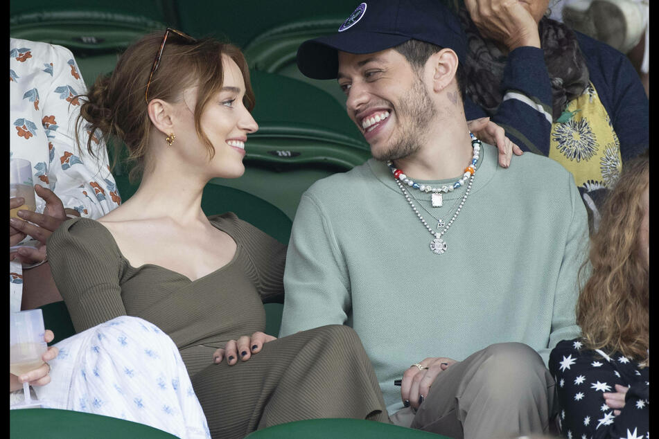 """""""It was fun while it lasted"""": Pete Davidson and Phoebe Dynevor are over!"""