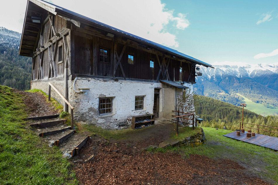 In dieser Hütte in Südtirol leben die Teilnehmer.