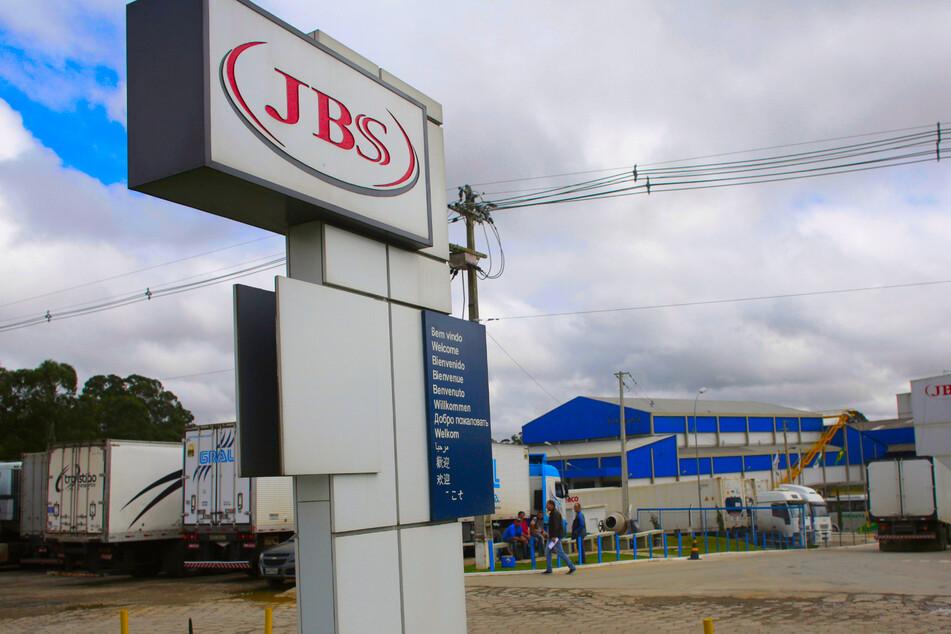 Der weltgrößte Fleischkonzern JBS in Brasilien ist Ziel einer Cyberattacke geworden.