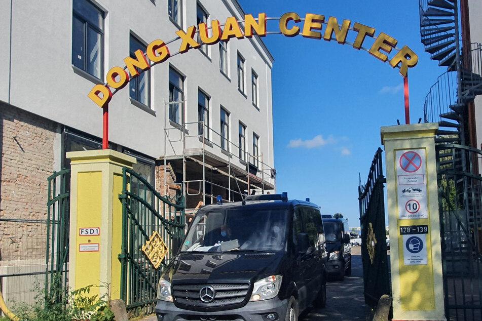 In der Vergangenheit rückte das Dong Xuan Center in Berlin-Lichtenberg immer wieder wegen illegaler Aktivitäten ins Visier der Ermittler.