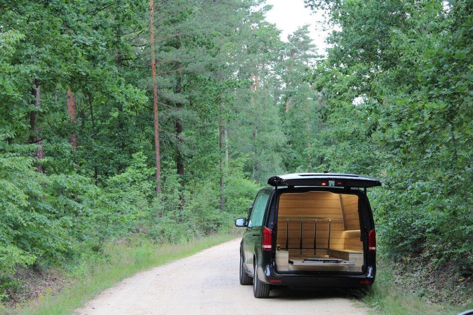 Ein Passant entdeckte den leblosen Körper im Waldsee.