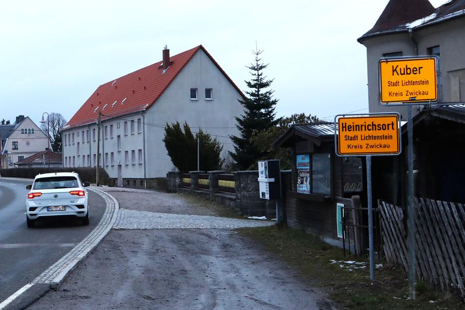 Chemnitz: Ein Ort - aber zwei verschiedene Ortstafeln! Der Schilderstreich am A72-Zubringer