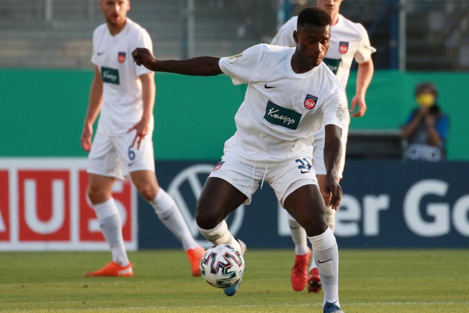 Neuzugang bei den Löwen! Merveille Biankadi (25) vom 1. FC Heidenheim wird bald im Dress des TSV 1860 München spielen.