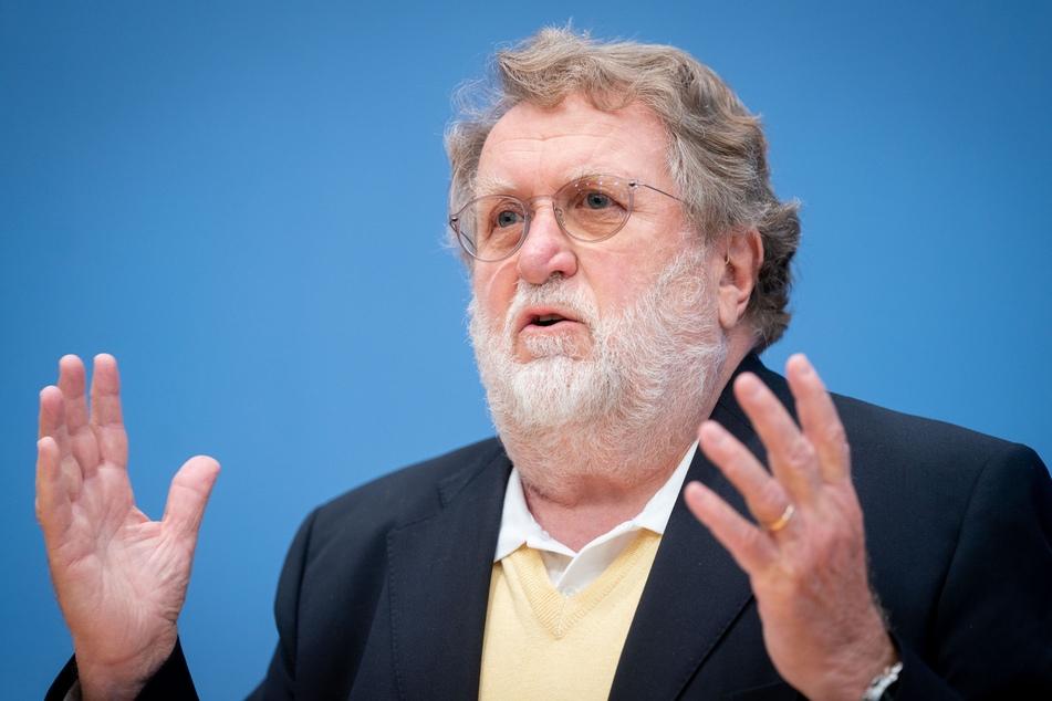 Der Vorsitzende der Ständigen Impfkommission, Thomas Mertens (71).