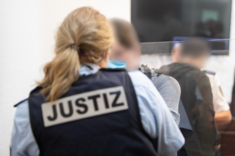 Bei einer erneuten Einreise nach Deutschland drohen Ibrahim Miri (48) Haftstrafen.