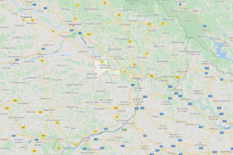 Die Tat ereignete sich in Vilshofen an der Donau in Niederbayern.