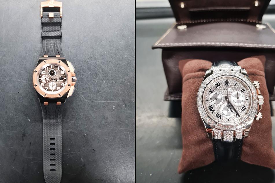 Diese beiden Uhren fanden die Mitarbeiterinnen und Mitarbeiter des Zollamts am Düsseldorfer Flughafen: Eine Audemars Piguet und eine Rolex. Beide Uhren werden in der Schweiz hergestellt.