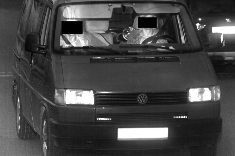 Die Täter konnten durch Überwachungskameras identifiziert werden.