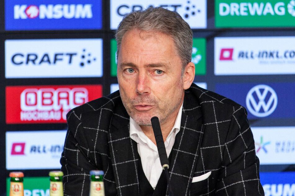 Dynamos kaufmännischer Geschäftsführer Jürgen Wehlend (55) hat ein gutes Gefühl, was die Lizenzerteilung betrifft.