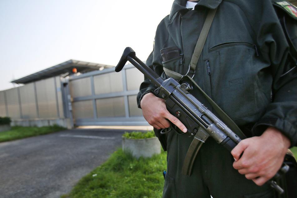 An Hinrichtung beteiligt: Kriegsverbrecher-Prozess in Düsseldorf angekündigt