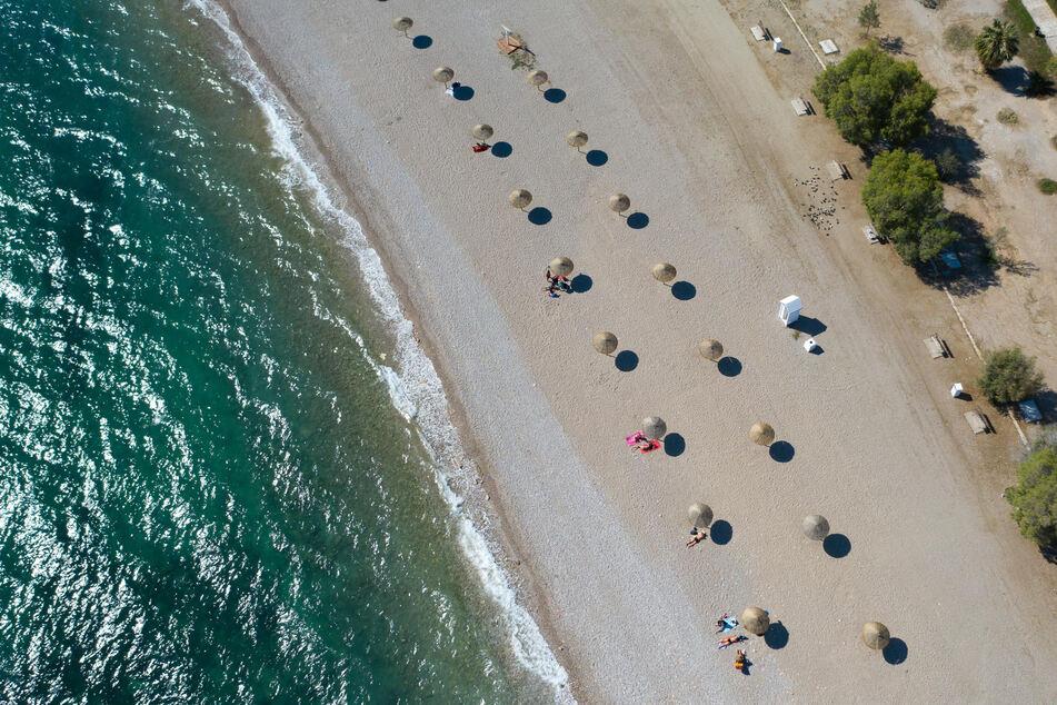 In einigen Regionen Griechenlands können Deutsche bald wieder (relativ unbesorgt) Urlaub machen.