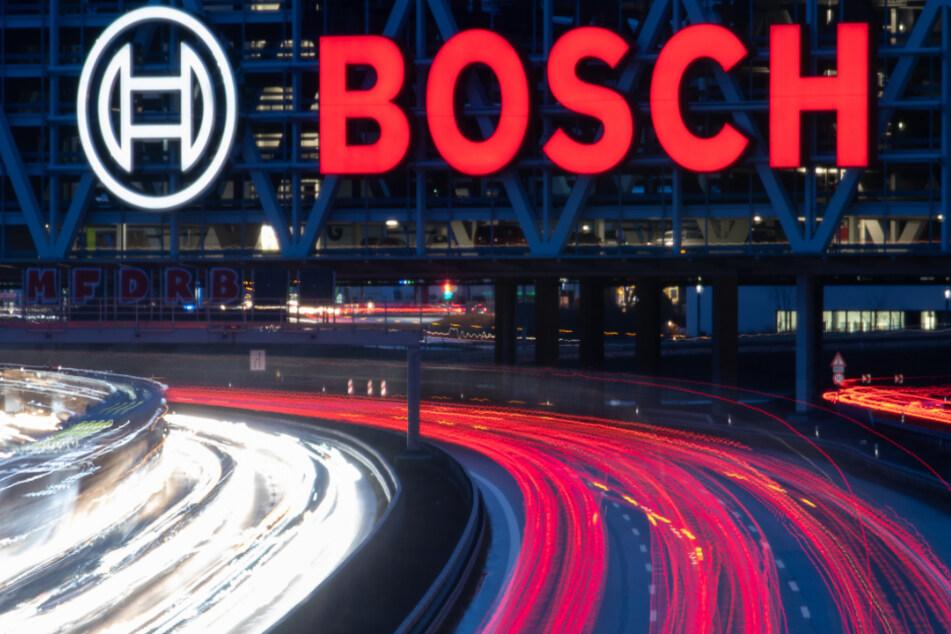 Der weltgrößte Autozulieferer Bosch fährt seine Produktion in Deutschland herunter.