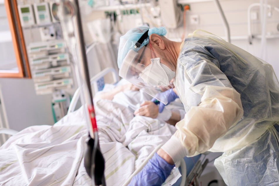 Patient Joe wurde eine Woche vorher wegen seiner Corona-Infektion ins Krankenhaus eingeliefert. (Symbolbild)