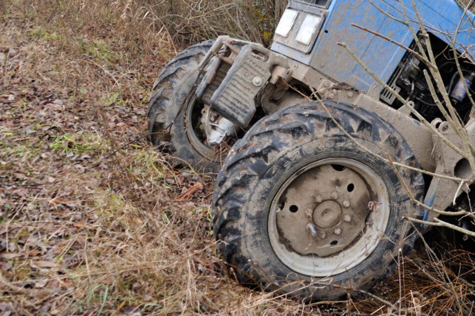 Auf steilem Gelände überschlug sich der Traktor samt Fahrer. (Symbolbild)