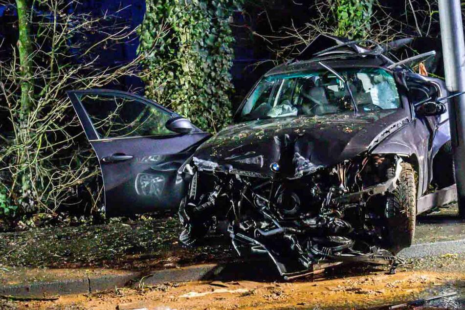 35-jähriger BMW-Fahrer bei Horror-Crash schwer verletzt