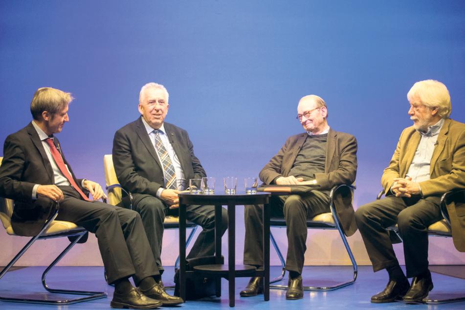 Frank Richter im Gespräch mit Egon Krenz. Den ehemaligen SED-Generalsekretär und Staatsratsvorsitzenden der DDR traf der Meißener vor zwei Jahren auf dem Theaterkahn bei einer Sonntagsmatinee.