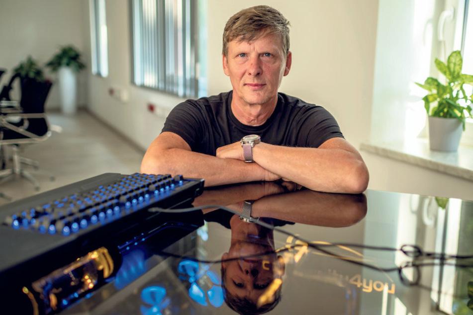 Firmenchef Uwe Bauch spendet 10.000 Euro an Vereine im Raum Chemnitz.