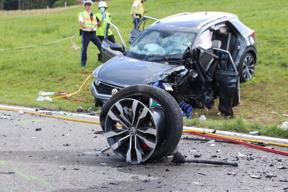 Bei dem Unfall sind am Samstag zwei Menschen schwer verletzt worden.