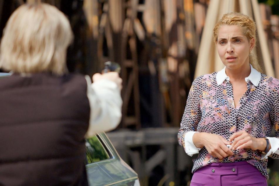 Terri (l.) ist wieder da! Wird sie Nina etwas antun?