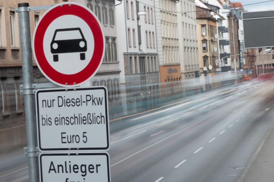 Land bittet um Verschiebung der Entscheidung über Fahrverbote