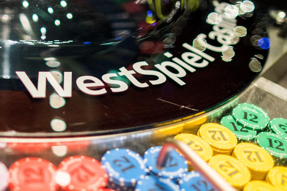 Für den Kaufpreis von 141,8 Millionen Euro hat NRW die landeseigene Casino-Gesellschaft Westspiel an den Glücksspielkonzern Gauselmann verkauft.