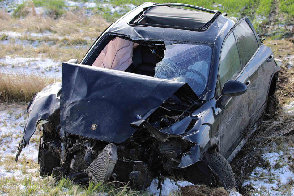 Unfall A20: Tödlicher Unfall auf A20! Fahrer wird aus Porsche geschleudert und stirbt