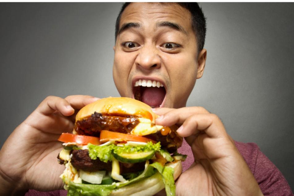 Männer neigen zum Schlingen beim Essen.