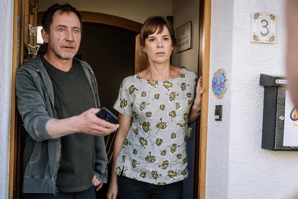 Familie Pielcke ist optimistisch, was die Zukunft bringt: Milena Dreißig (45) spielt Ulrike Pielcke, Thorsten Merten (57) ist Frank Pielcke.