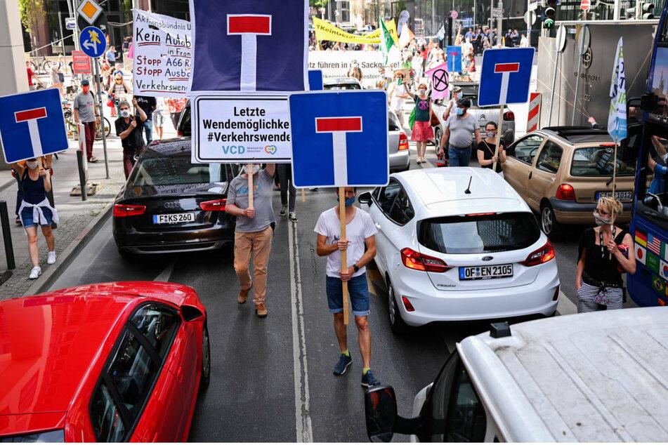 Demo für die Verkehrswende in Frankfurt im Juni 2020: Jetzt soll mit einem Volksbegehren ein Umdenken auch politisch umgesetzt werden.
