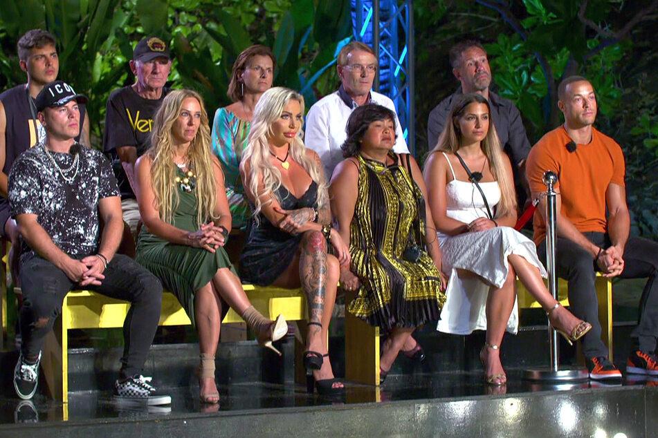 Die Stunde der Wahrheit war gleichzeitig auch Tims letzte Stunde in Thailand: Der 24-Jährige (oben links) musste nach der zweiten Folge seine Koffer packen.