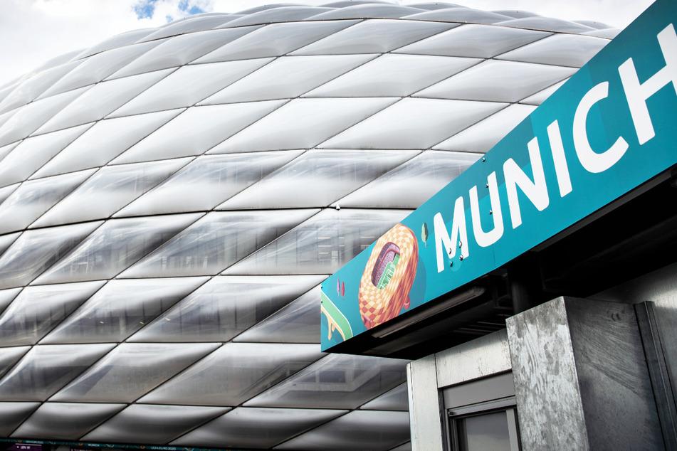 Die Münchner EM-Arena wird auch vor dem Viertelfinale am Freitagabend zwischen Belgien und Italien nicht in Regenbogenfarben leuchten.