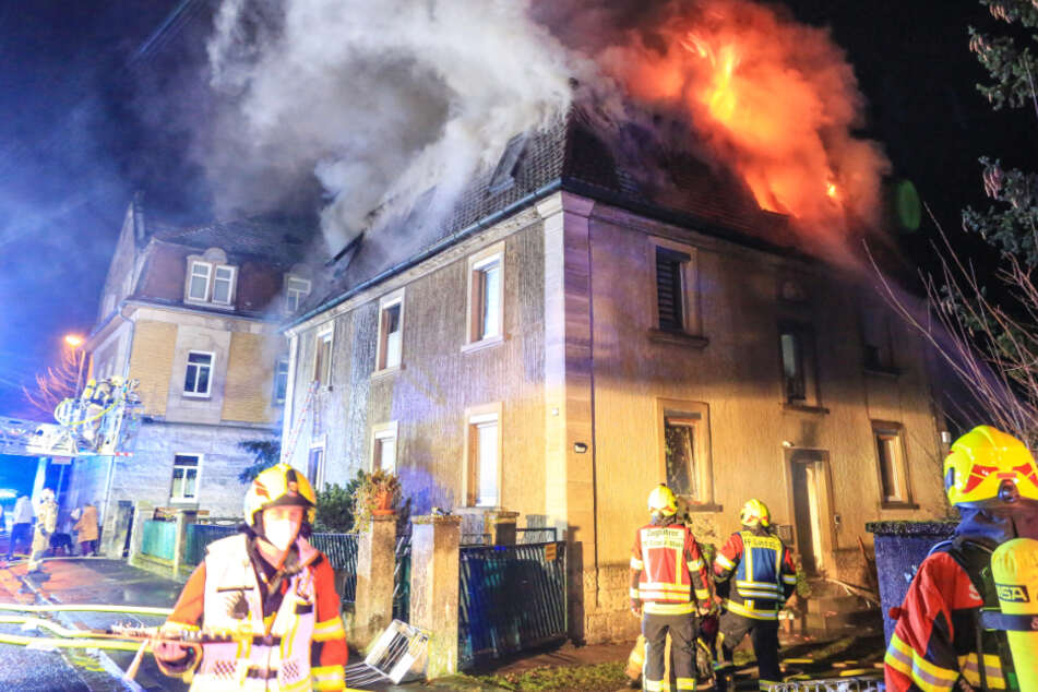 Wohnhaus in Flammen: Dramatische Rettung in Unterfranken