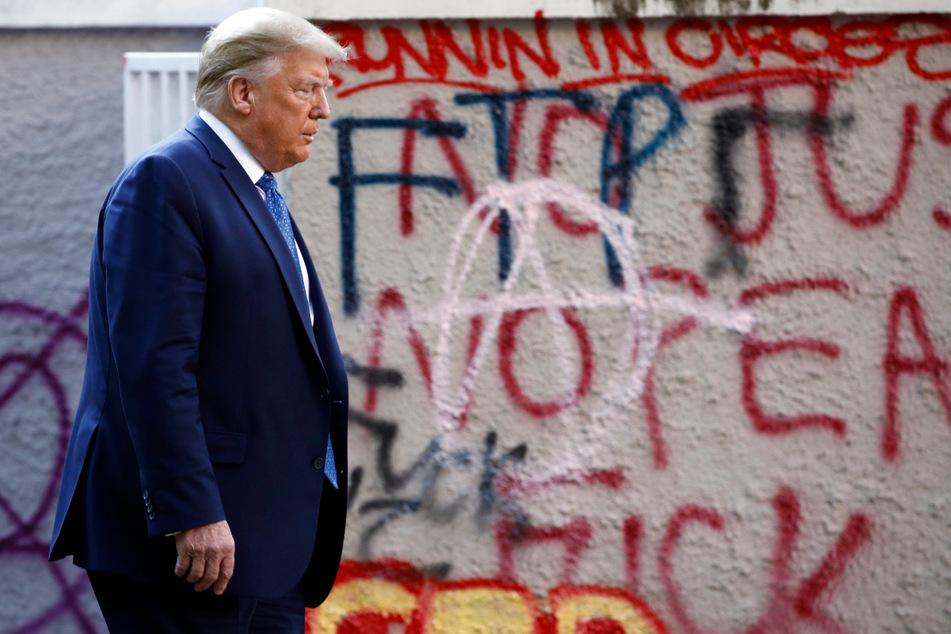 Die Proteste gegen Rassismus und Polizeigewalt fünf Monate vor der Präsidentschaftswahl in den USA dauern an - und Donald Trump verliert an Zuspruch.