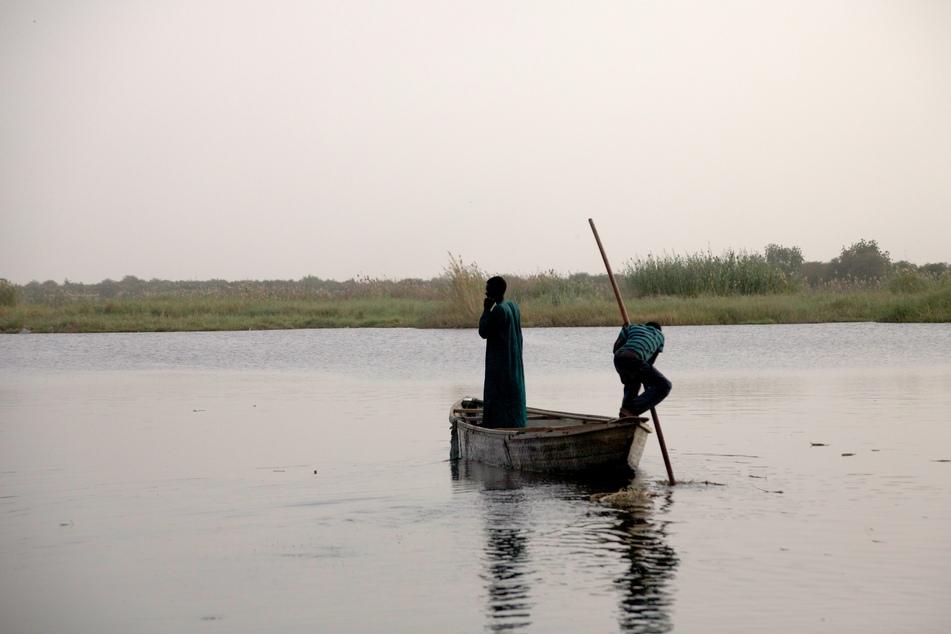 Fischer auf dem Tschadsee. Am 23. März wurden 98 tschadische Soldaten auf ihrem Stützpunkt am Ufer des Sees von Boko-Haram-Kämpfern getötet.
