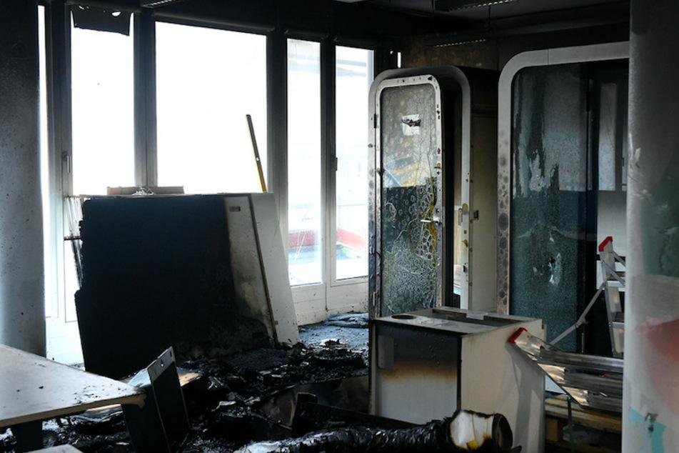 Brand frisst sich durch Münchner Bürogebäude: Feuerwehr muss drei Arbeiter retten