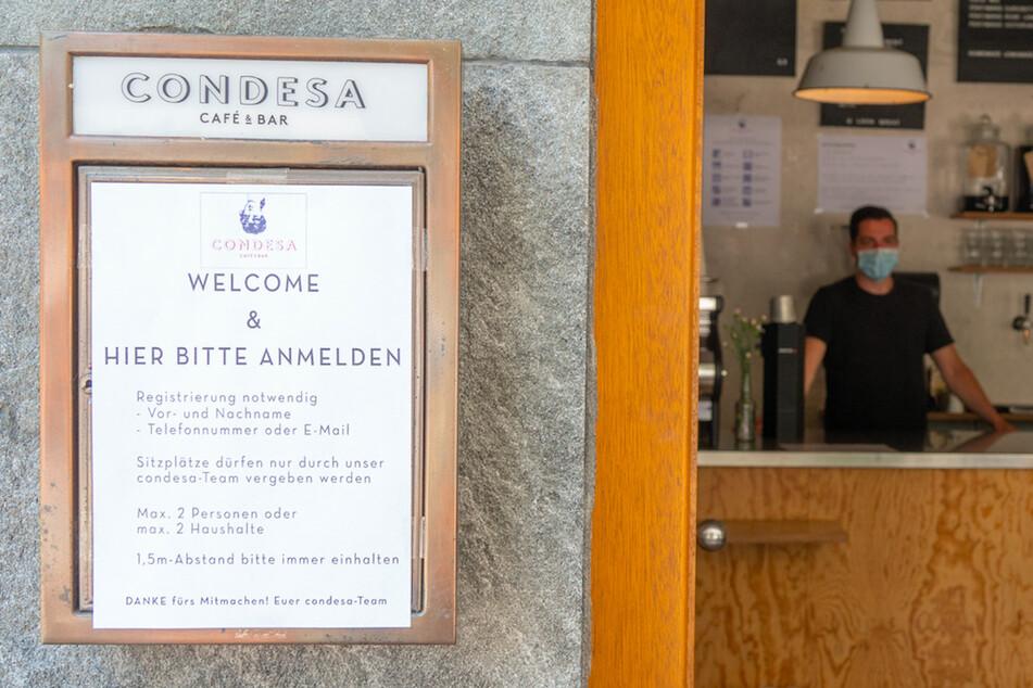 Wer in Corona-Zeiten ins Restaurant will, muss sich an bestimmte Regeln halten.