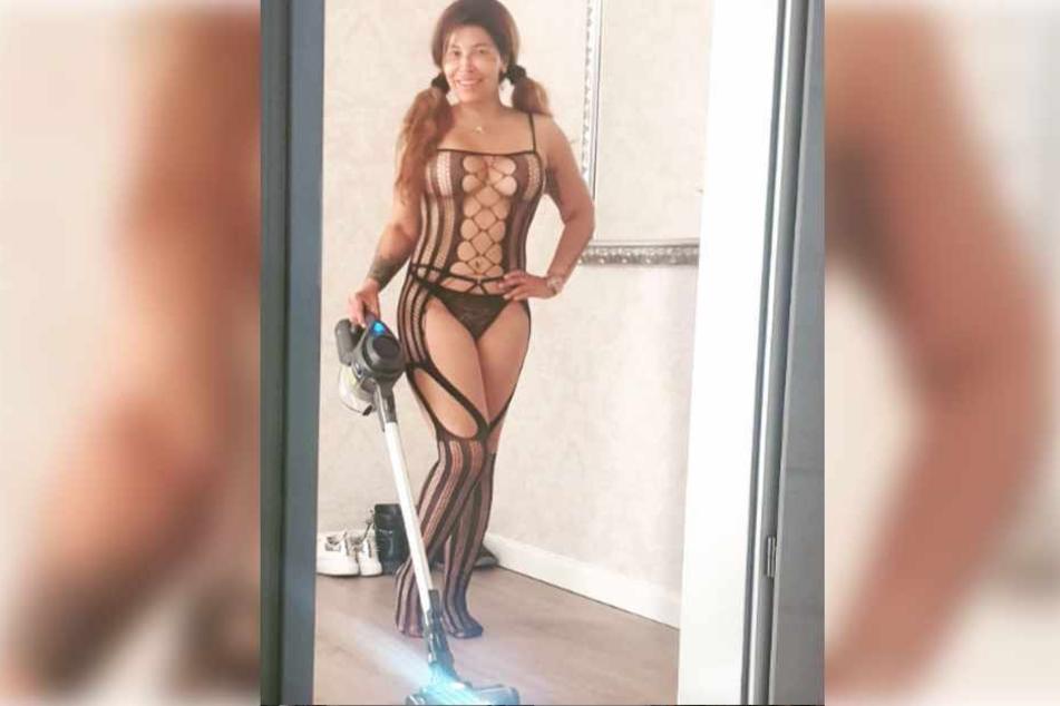Patricia Blanco schmiss sich zum Putzen in einen sexy Einteiler.
