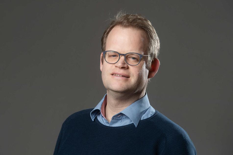 Jürgen Renz (45, SPD) setzt auf städtische Schwimm-Unterstützung.