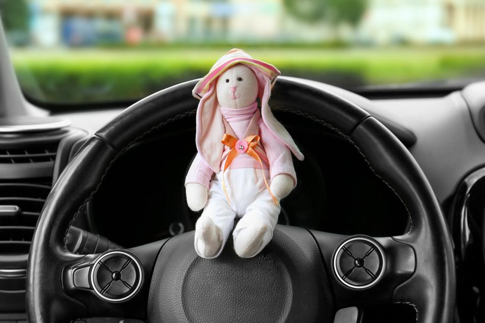 Kind am Steuer! Neunjährige macht Spritztour mit Papas Auto