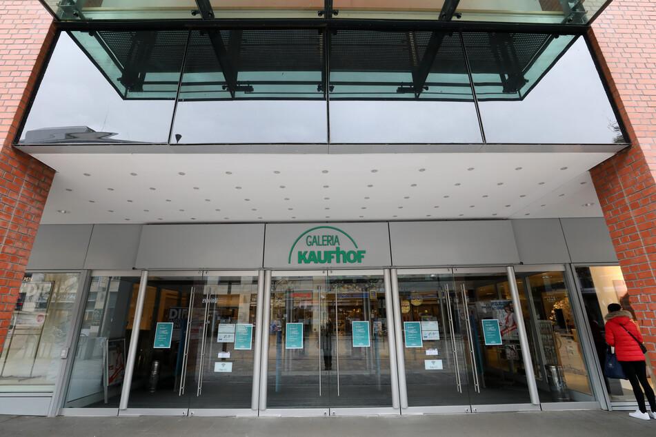 Der Verwaltungsgerichtshof (VGH) hat am Mittwoch einen Eilantrag der Galeria Karstadt Kaufhof GmbH abgewiesen. (Symbolbild)