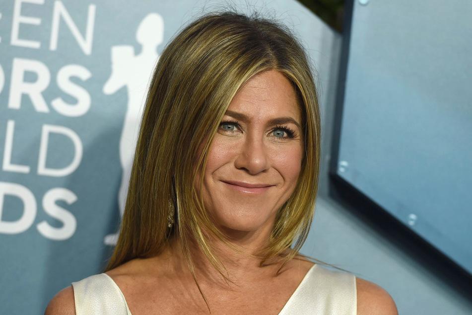 Die Schauspielerin Jennifer Aniston (51) hat Präsidentschaftskandidat Joe Biden (77) ihre Stimme gegeben.