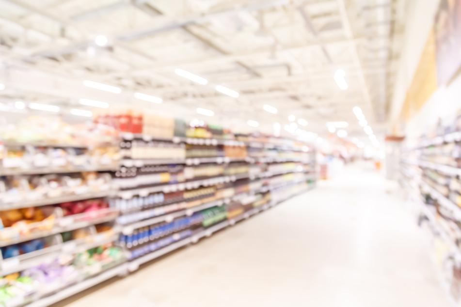 Biss zur Verhaftung: Ladendieb attackiert Supermarkt-Mitarbeiter