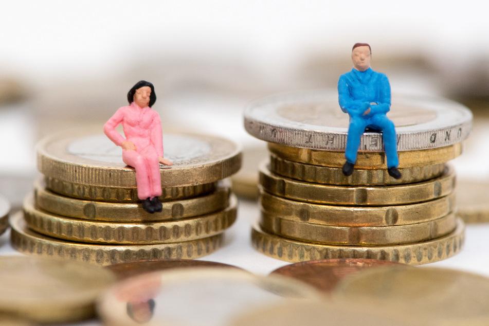 Frauen verdienen auch in Bayern weniger als Männer. (Symbolbild)