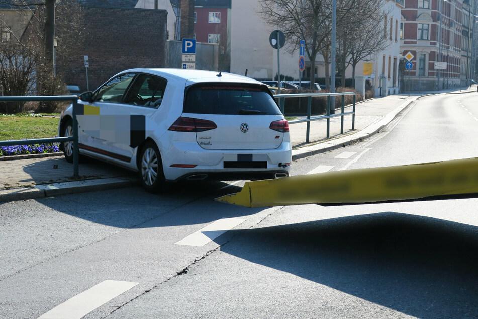 Der VW musste abgeschleppt werden.