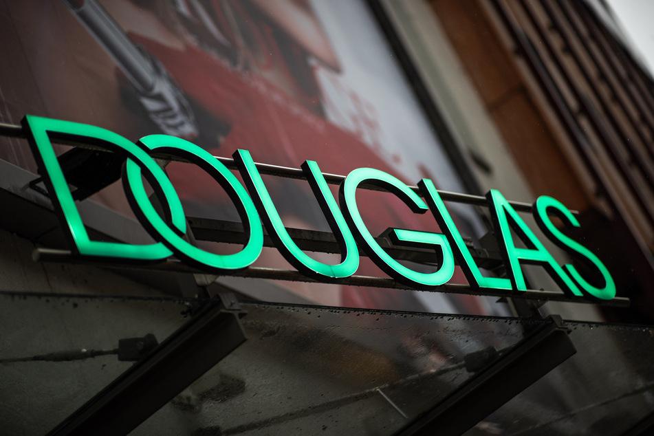 Die größte deutsche Parfümeriekette Douglas hat im Online-Geschäft ein Umsatzplus von gut 75 Prozent auf 291 Millionen Euro erzielt. (Symbolfoto)