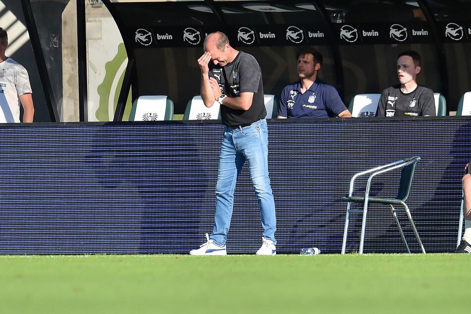 FSV-Coach Joe Enochs verzweifelte an der Seitenlinie, auch wegen aus seiner Sicht strittiger Entscheidungen des Schiedsrichters.